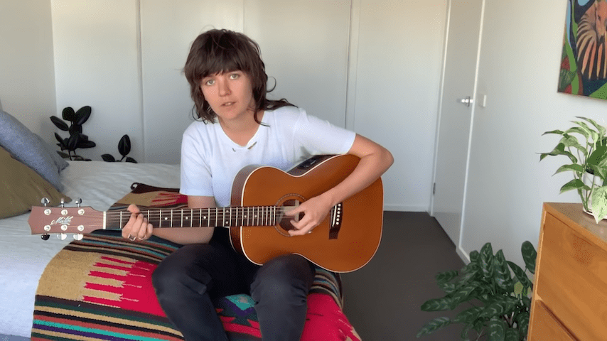 "Watch Courtney Barnett Play Acoustic Version of ""Sunday Roast"" on The Tonight Show"