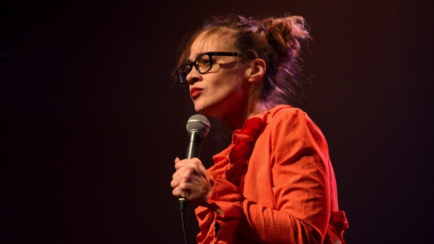"Fiona Apple to Donate Royalties for ""Shameika"" and ""Heavy Balloon"""