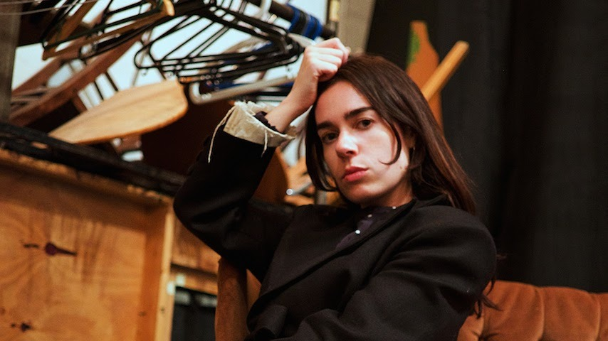 """Sinead O'Brien Shares Debut EP Drowning in Blessings, Unveils Video for """"Most Modern Painting"""""""