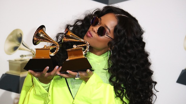 """Watch H.E.R. Cover Prince's """"Nothing Compares 2 U"""" at Emmy Awards"""