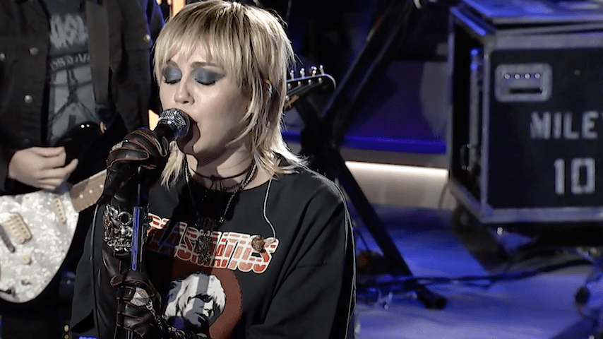 """Watch Miley Cyrus Cover Hole's """"Doll Parts"""" on The Howard Stern Show"""