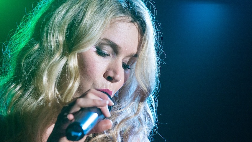 """Joss Stone Returns With a New Single, """"Walk With Me"""": Listen"""