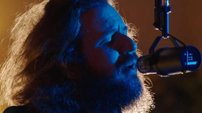 """Watch My Morning Jacket Perform """"Climbing the Ladder"""" on Late Night With Seth Meyers"""