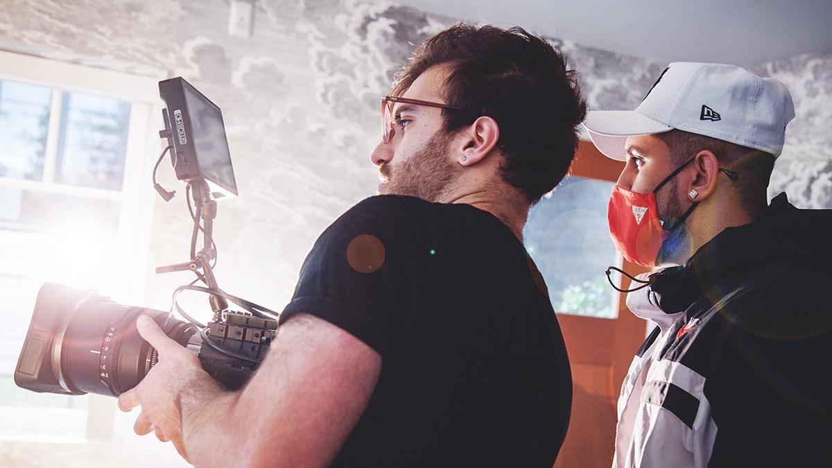 "Vancouver's Ahlex R enlists Juan Morales Vargas & UNMATCHEDmedia for video debut ""SI TU"""
