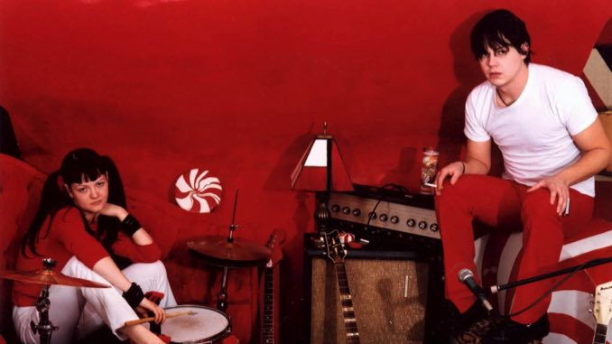 """Watch The White Stripes Play """"Fell in Love with a Girl"""" on Top of the Pops Circa 2002"""