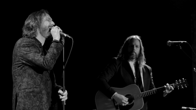 """Exclusive: Watch The Black Crowes Perform """"Remedy"""" in New Concert Film"""