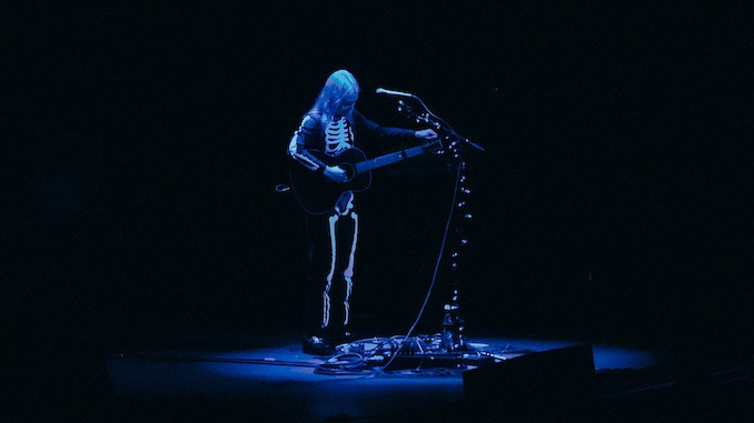 """Phoebe Bridgers Shares """"That Funny Feeling"""" Cover"""